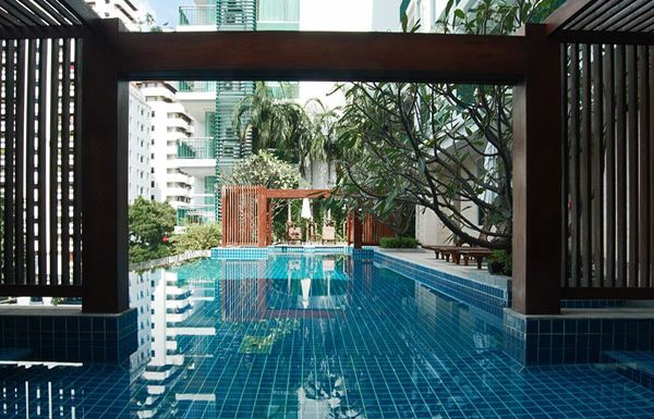Wind-Sukhumvit23-Bangkok-condo-for-sale-swimming-pool-4
