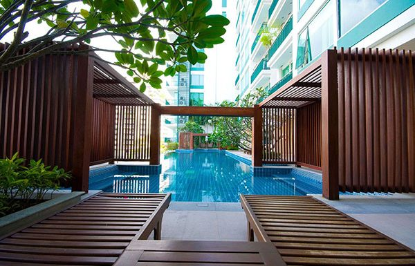 Wind-Sukhumvit23-Bangkok-condo-for-sale-swimming-pool-6